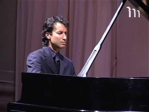 Primo piano: Roberto Cominati