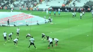 Beşiktaş - Alanyaspor - Isınma hareketleri - Taraftarın futbolcuları çağırması