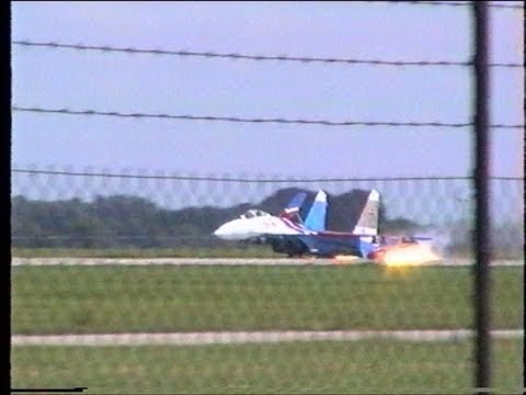 Russian Knights, Su-27 landing without gear SIAD 1997