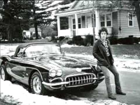 Клип Bruce Springsteen - Racing in the Street