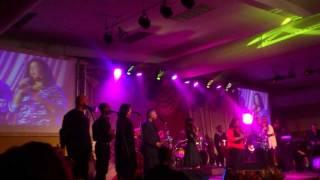 "Mi Ke Bo Gloria Live - Jeridee ""Deetje"" Coco & Veanira Reed"