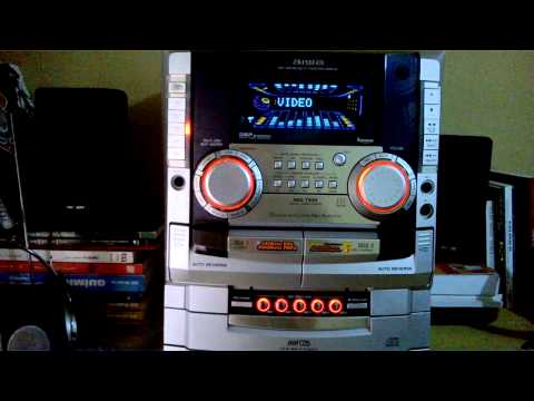 Aiwa NSX T939 tocando Katy Perry - Dark Horse (Official) ft. Juicy J