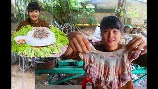 Cooking skills | pig intestines recipes | survival skills. HT