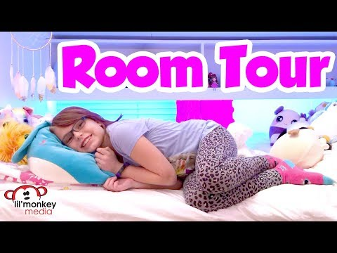 🌈 Room Tour! My Messy Room Toy Storage and More | Madi Maureen Vlogs 👧🏼