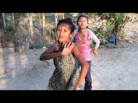 BEST NEPALI DANCE (SELFIE HANAULA)