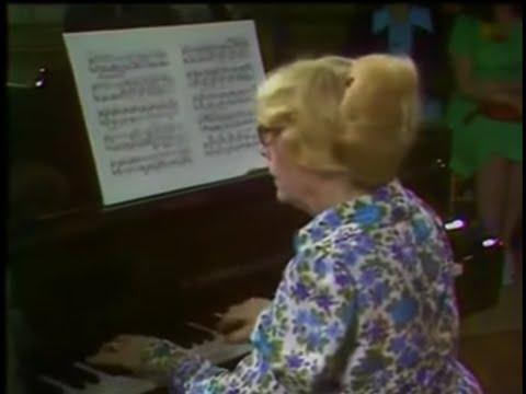 Debussy: Des pas sur la neige (Yvonne Lefébure)