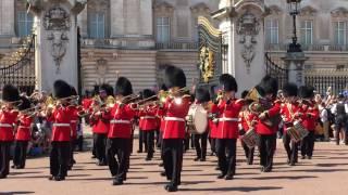 la relève Buckingham Palace