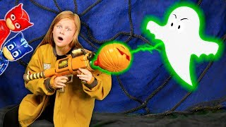 Assistant Uses works with Paw Patrol and PJ Masks to zap Ghosts and Save Halloween