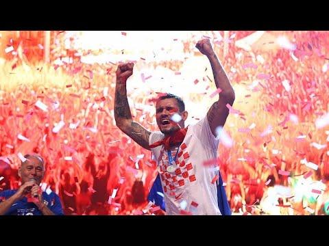 شاهد: نصف مليون كرواتي يستقبلون فريقهم في العاصمة زغرب  - نشر قبل 2 ساعة