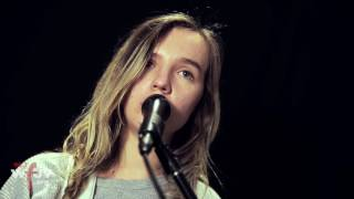"""The Japanese House - """"Face Like Thunder"""" (Live at WFUV)"""
