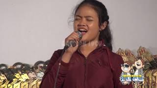 Download Video TAMPIL POLOS DALANG SUKRON KAGET SUARA IWANG MENGALAHKAN SINDENYA MP3 3GP MP4