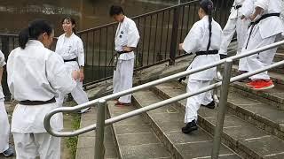 先代・芦原英幸直伝の階段ステップを教えました」(芦原会館西山道場・...