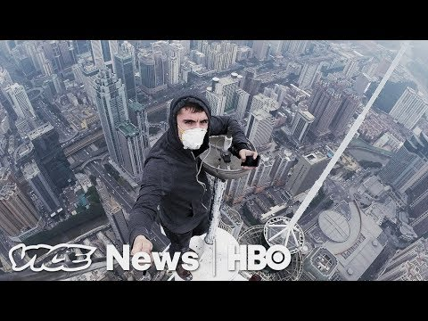 We Climbed To The Top Of Moscow's Tallest Buildings: VICE News Tonight (Full Segment)