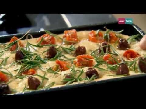 Cucina con Ramsay # 51: Focaccia con olive, pomodori e rosmarino