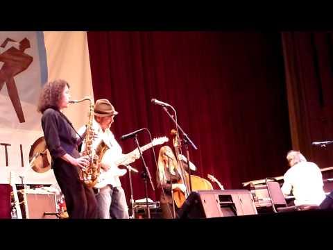 Ruth Davies blues nite at Stanford - Nancy Wright sings