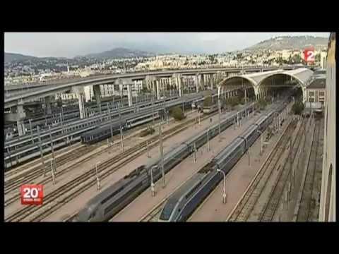 """Un Train """"TGV"""" - Attaqué à Marseille."""