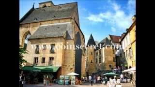 Dans la cité médiévale de Sarlat, location d'un appartement de charme. Pour 2 personnes