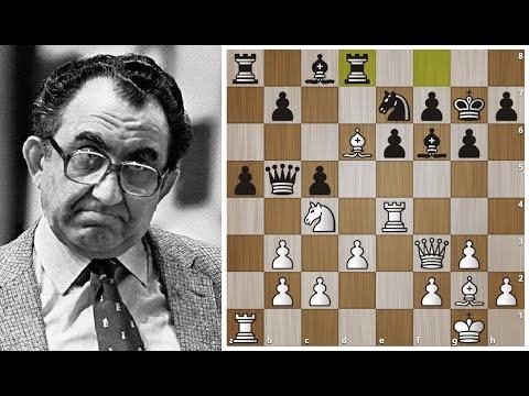 Тигран Петросян Жертвует Ферзя в Дебюте и разрывает противника в 21 ход! Шахматы.