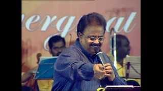 Download Diwana Hua Baadhal by SPB & ANUSHA in GANESH KIRUPA Best Light Music Orchestra in Chennai