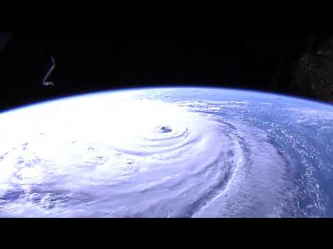 Hurricane Florence鈥檚 Well-Defined Eye Seen From Space - Sept. 12