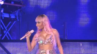 Nicki Minaj - Starships - live Manchester 4 april 2015