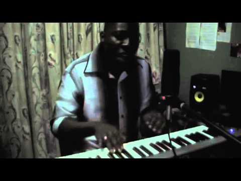 Earl W Green  performs Unga Tsheli muntu  live in studio