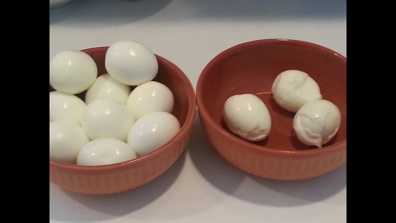making hard boiled eggs how to peel an egg easily in 5 seconds 28498