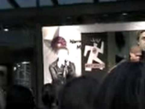 Jesse McCartney @ Warringah Mall - Anybody