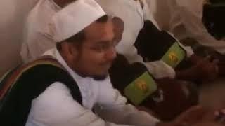 Video Ziarah makam wali Al Husein bin Syeikh Abubakar bin Salim RA. Hadromuth download MP3, 3GP, MP4, WEBM, AVI, FLV Juni 2018