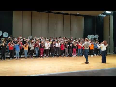 "Mason City High School band performs ""76 Trombones"""
