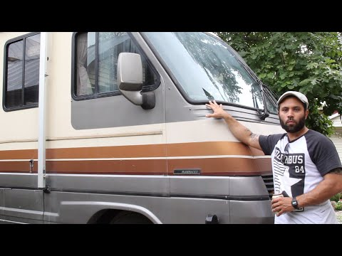Tour of my 1988 Pace Arrow Class A Motorhome (dickhead version)
