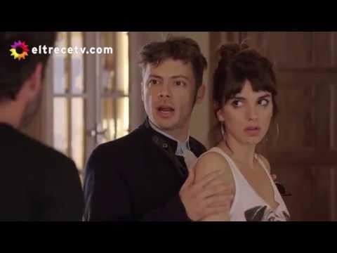 Lara se estaba chapando con Camilo cuando llegó Mateo y los quiso frenar