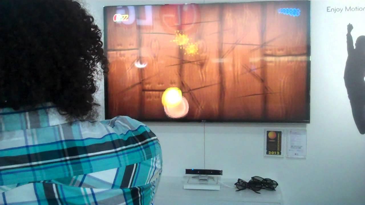 Fruit ninja 3d - Gagagadget At Ces 2012 Playing Fruit Ninja In Front Of A Lg 3d Tv