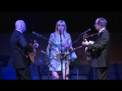 """Peter Paul And Mary Alive  """"Blowing In The Wind"""""""