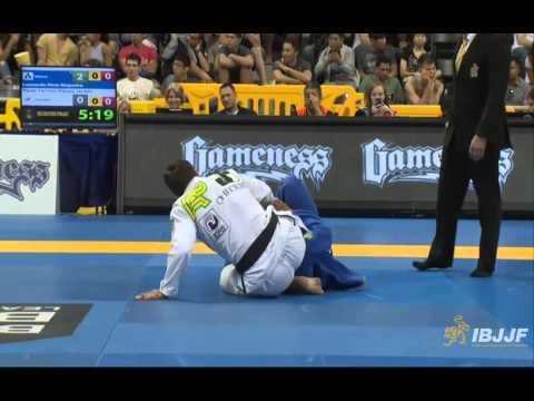Leo Nogueira v Paulo Jardim - 2014 IBJJF Worlds Black Belt Super-Heavy Quarter-Final