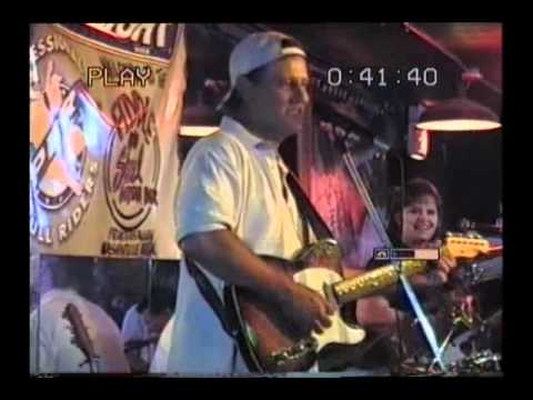 LIVE COUNTRY MUSIC IN NASHVILLE BAR RECORDED IN 1998