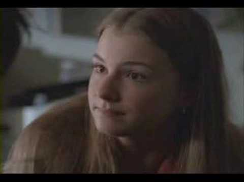 Everwood - Amy and Ephram kiss season 1