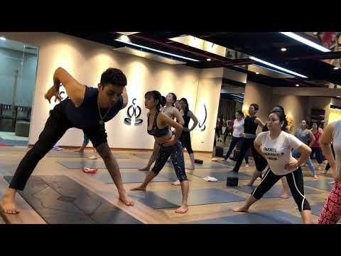 Intensive  11 minutes  Advance Yoga Stretch  Jai Yoga  Hanoi By Master Praveen