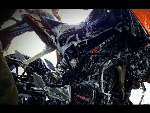 How to wash KTM motorcycle / ktm duke 200/Bike washing Center!!!!