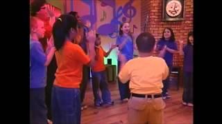 Step By Step Kids Hokey Pokey Party Dance