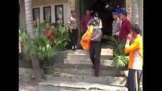 Download Video Warta Bali, TVRI Bali - Satu Keluarga Tewas Terpanggang di Kamar Hotel MP3 3GP MP4