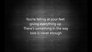 Ellie Goulding - Here's to us (lyrics)