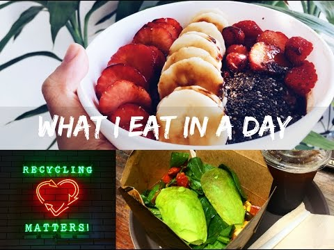 VEGAN what i eat in a day   HK vegan cafe + cacao oatmeal