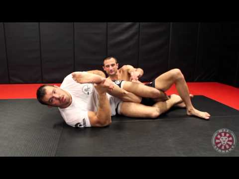 Kneebar Submission by Dean Lister
