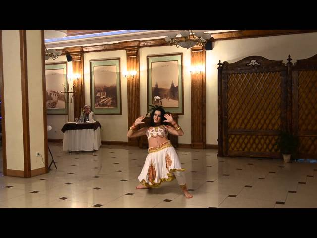 Maria Kapinus dance Ram Chahe Leela Travel Video