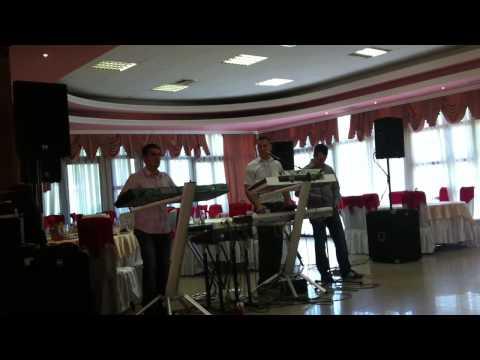 Afrim UkaXhevdet Osmanaj Elvis Kurpeja  live 2012.MOV