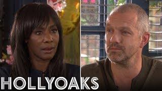 Hollyoaks: Glenn Charms Simone