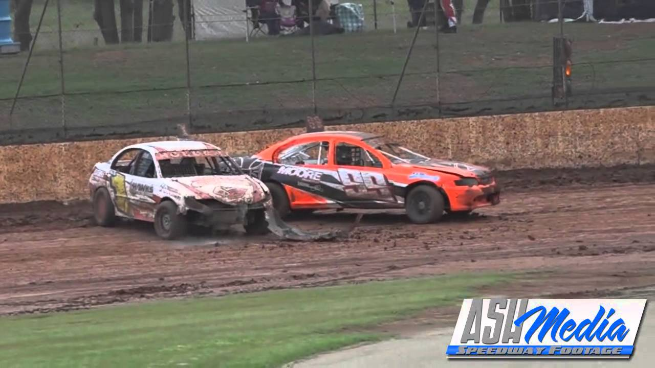 Modified Sedans Brodie Boss Spins Kingaroy Speedway Youtube