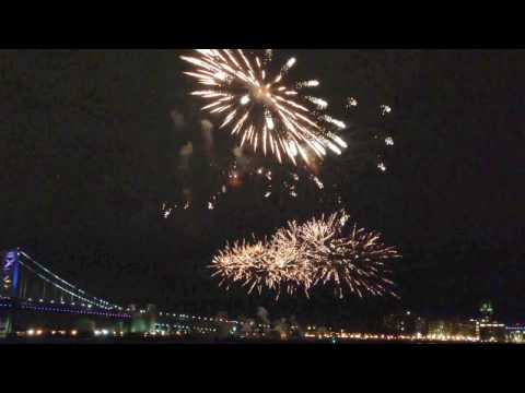 2017 New Year Firework at Penn's Landing on Delaware River Waterfront
