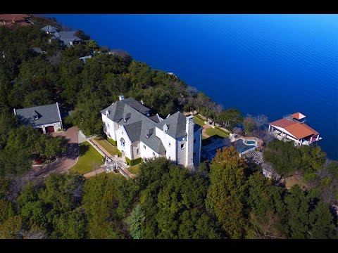 Spectacular Lakefront Equestrian Estate in Austin,Texas